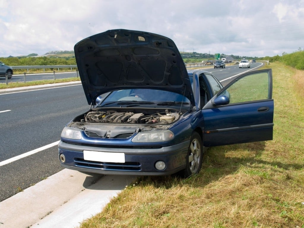 How to Stay Safe If Your Car Breaks Down on the Road