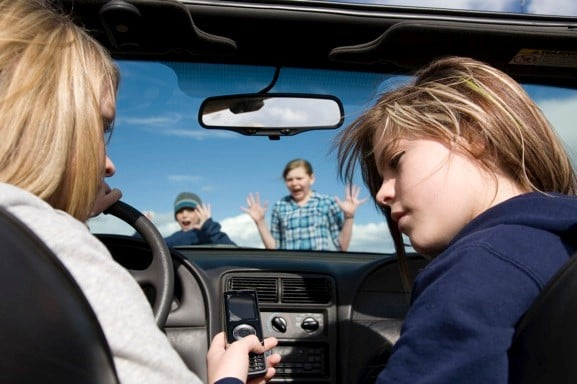 How to Prevent Your Teen from Being a Distracted Driver