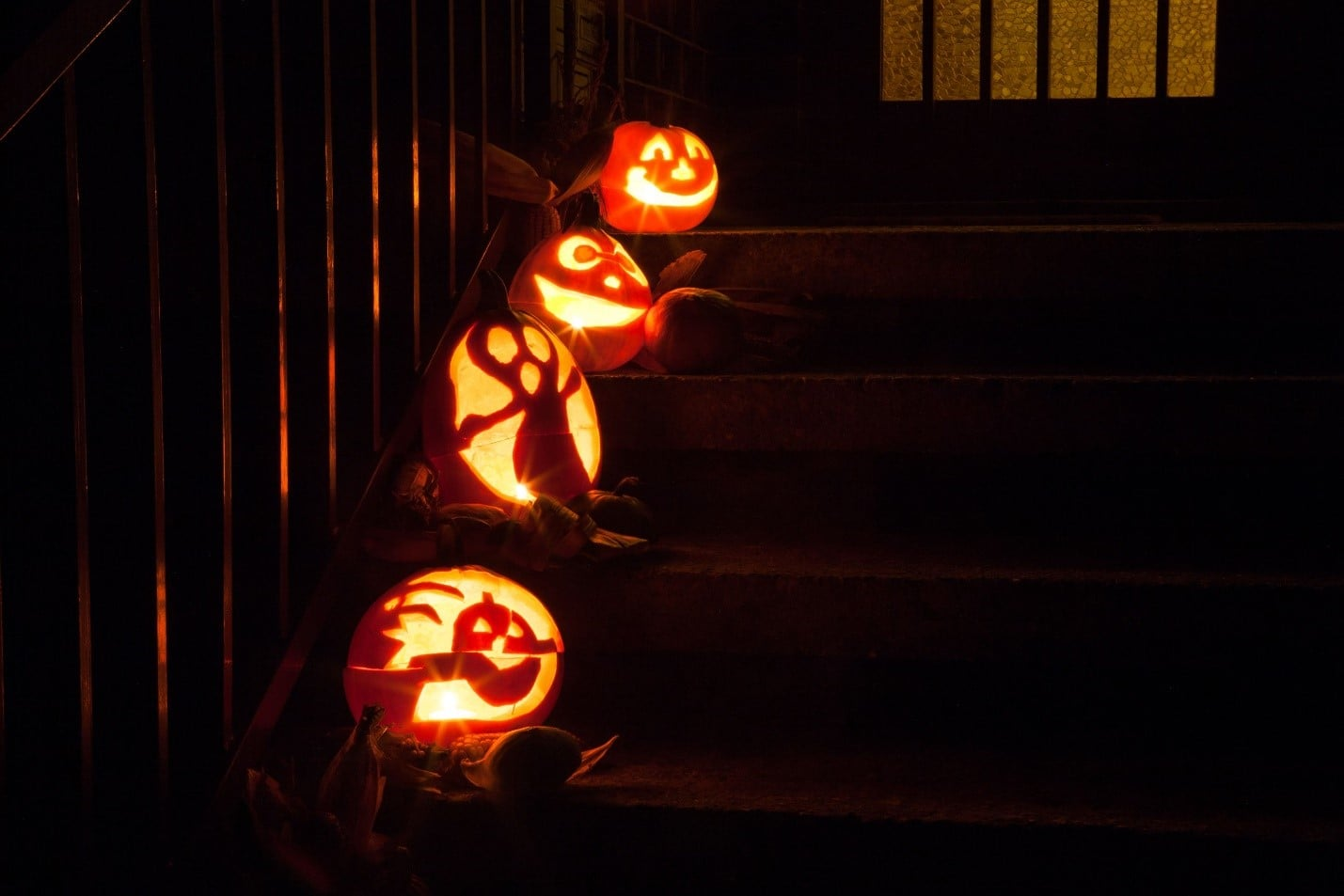 Trick - or - Treating Safety Tips for Kids